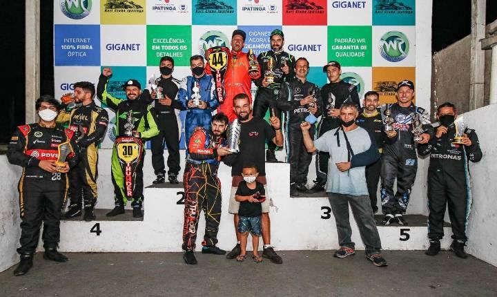 Largada estilo Le Mans mantém saudosismo no Kart em Ipatinga