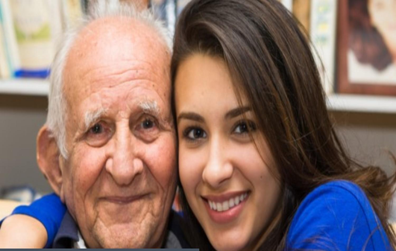 Neta consegue incluir avós como dependentes no plano de saúde